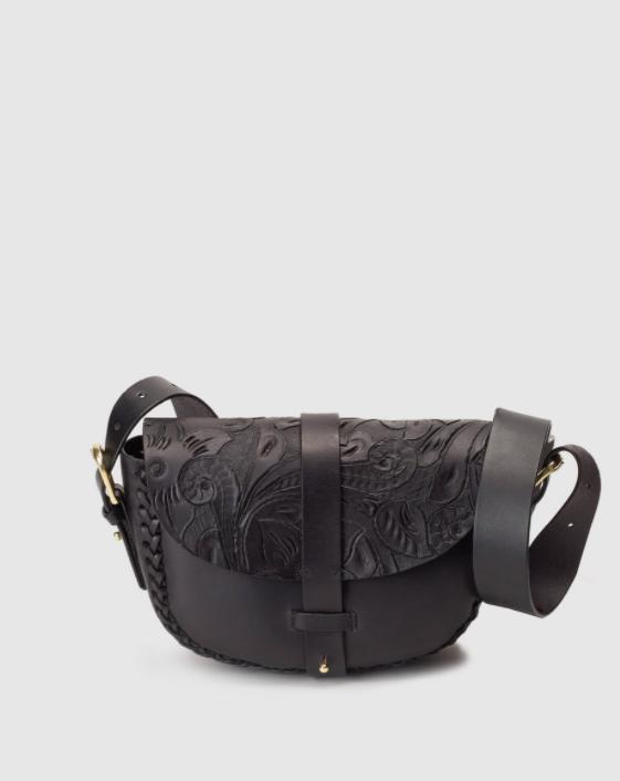 Bolso Antik Batik de piel en negro con grabado en solapa