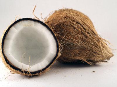 Algunos motivos por los que el aceite de coco está tan de moda