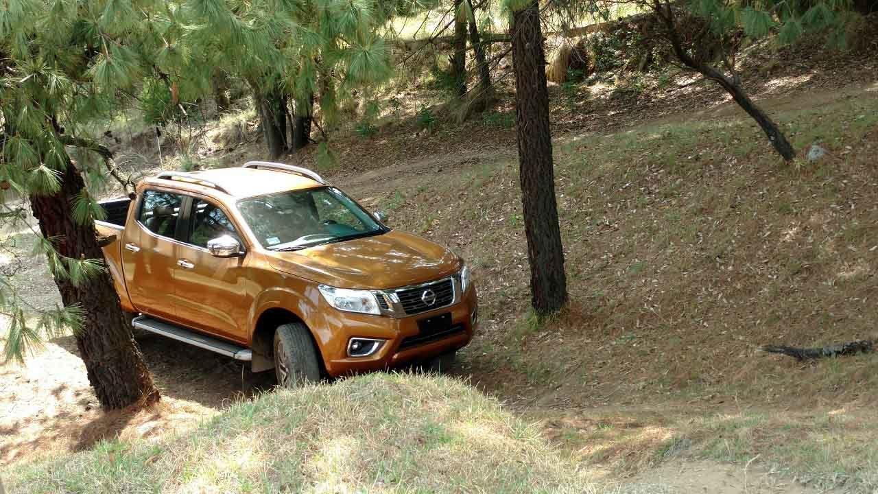 Foto de Nissan NP300 Frontier Diésel 4x4 prueba México (1/31)