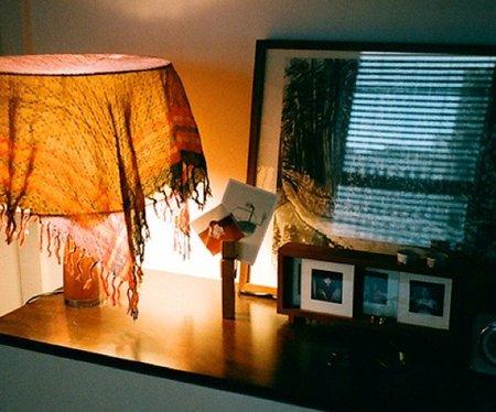 Una buena idea: atenuar la luz con un pañuelo
