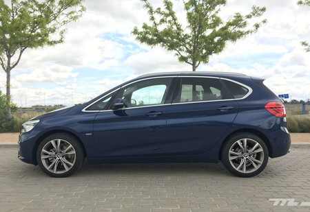 Bmw Serie 2 Active Touring lateral