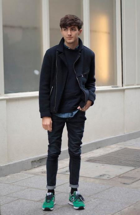 Street style pantalón pitillo look azul