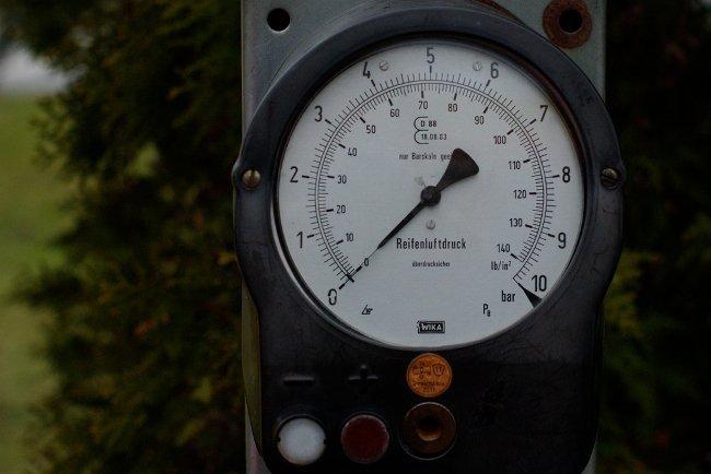 Medidor presión neumáticos
