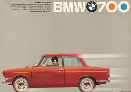 Bmw 700 Historia 10