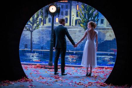 Ryan Gosling y Emma Stone nos enamoran en 'La La Land' tanto como su vestuario y su música
