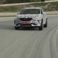 CUPRA Formentor: el SUV híbrido enchufable se pone a punto en este vídeo rodando en circuito con Jordi Gené al volante