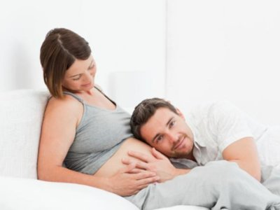 Reino Unido dará a las embarazadas tres mil libras (3800 euros) para costear el parto que elijan