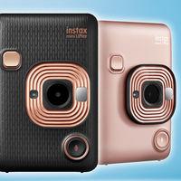 Fujifilm Instax Mini LiPlay, nueva cámara instantánea híbrida de pequeño tamaño que añade clips de audio a nuestras fotos