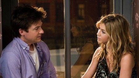 Un pequeño cambio Aniston y Bateman