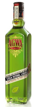 El beso Boliviano con Agwa, licor de hoja de coca