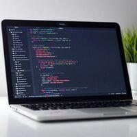 """Rust y los flechazos: es el lenguaje de programación más amado, pero para ganar dinero, mejor lenguajes """"rarunos"""" como Clojure, F# o Elixir"""