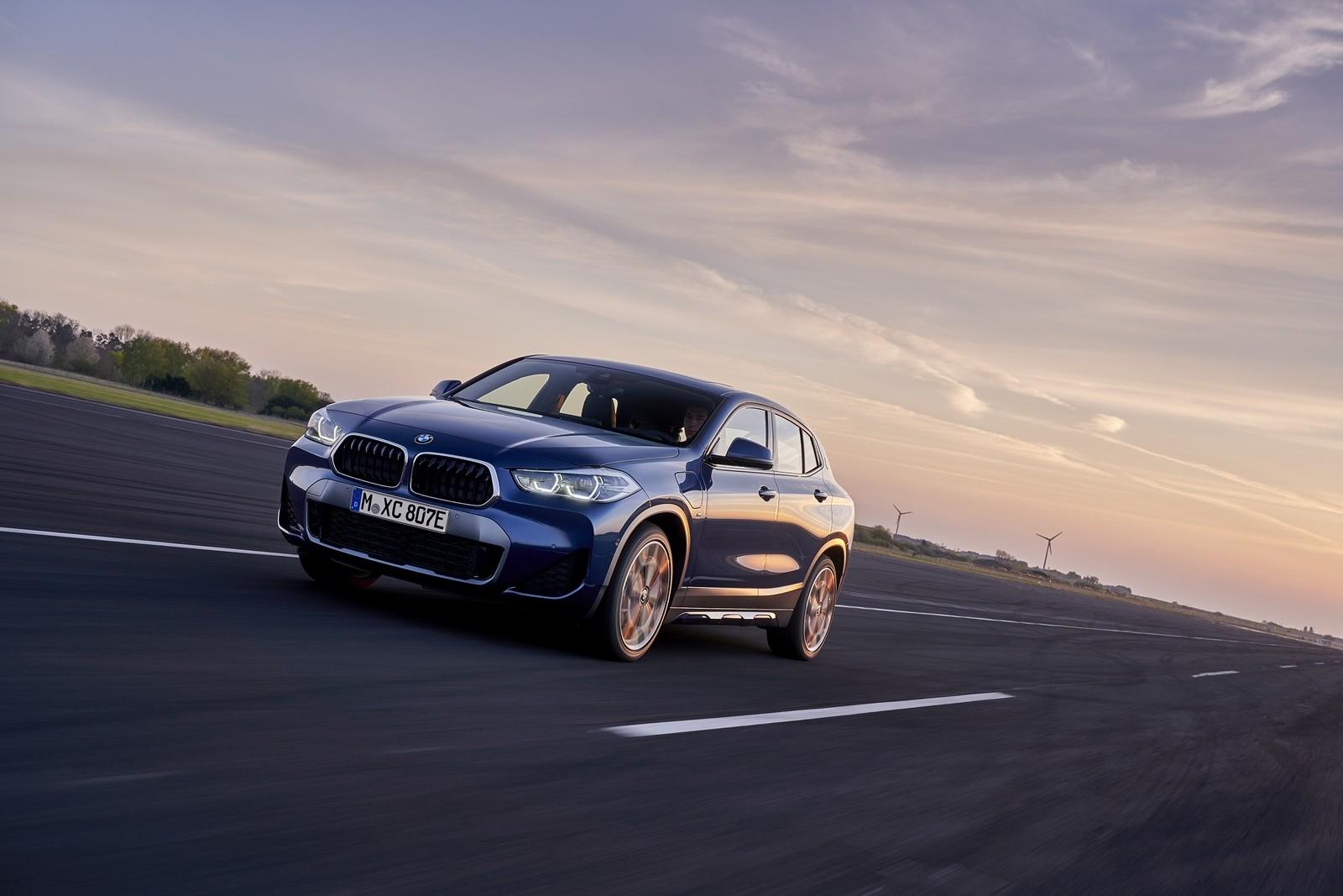 Foto de BMW X2 xDrive25e 2021 (24/53)