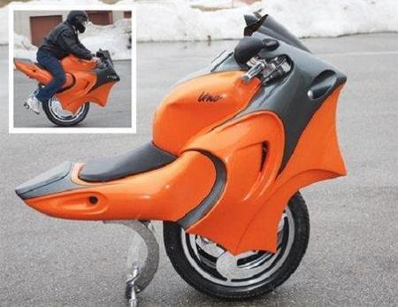 The Uno, la moto de una rueda, ahora tiene dos