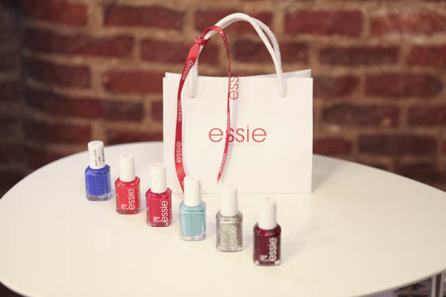Foto de Color, color y más color para la Navidad 2012 de la mano de Essie (12/17)