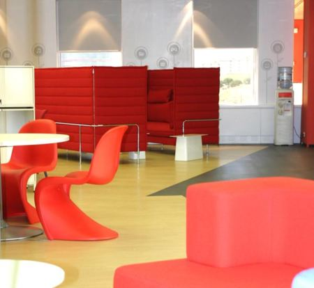 Espacios para trabajar las oficinas de vodafone en madrid for Vodafone oficina