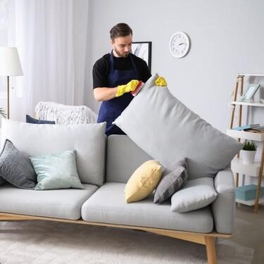 Tu casa, a punto en otoño: Las mejores soluciones y productos para limpiar el sofá y que esté siempre como nuevo