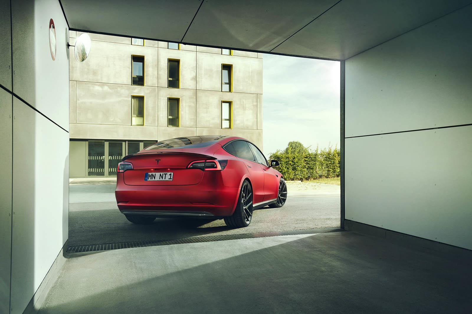 Foto de Novitec Tesla Model 3 (13/14)