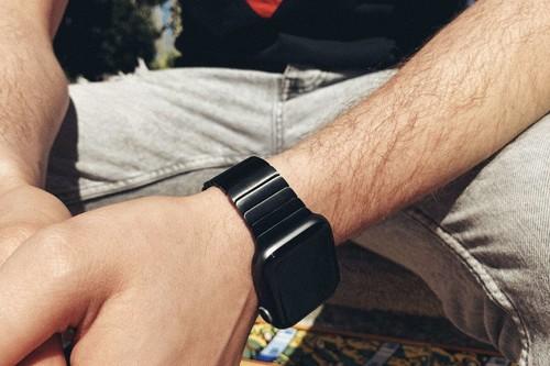 Esta réplica de la pulsera de eslabones para Apple Watch no sólo es igual, sino que cuesta 10 veces menos