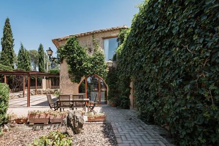 Alojamiento En Airbnb Masia De 1756 Reformada En Vallirana Cataluna
