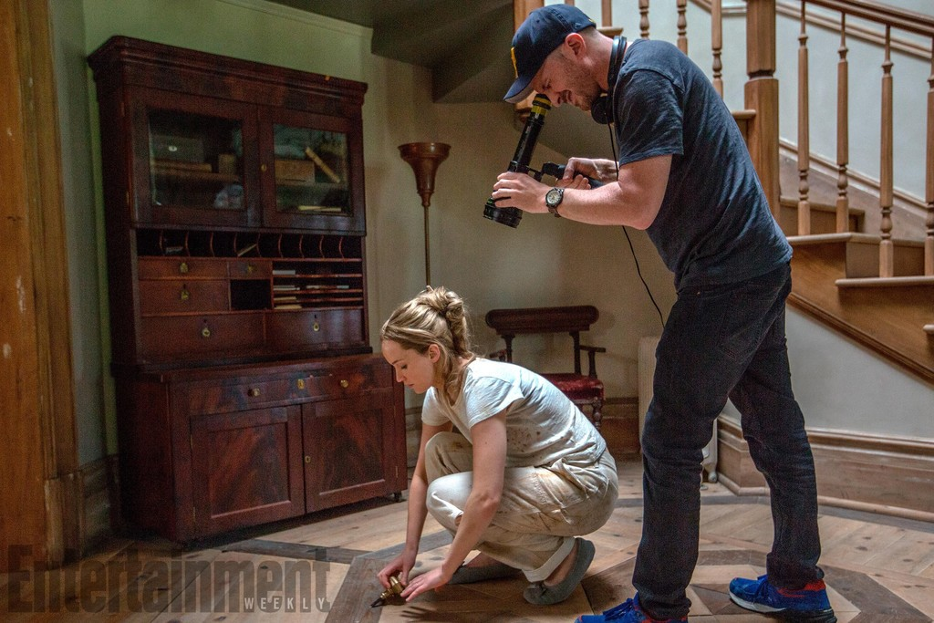 Darren Aronofsky y Jennifer Lawrence durante el rodaje