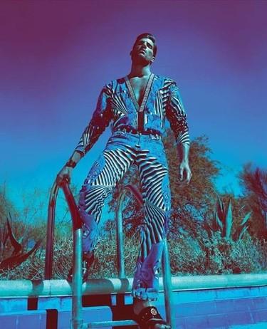 Vuelve el hombre cien por cien Versace con la campaña de Primavera-Verano 2012