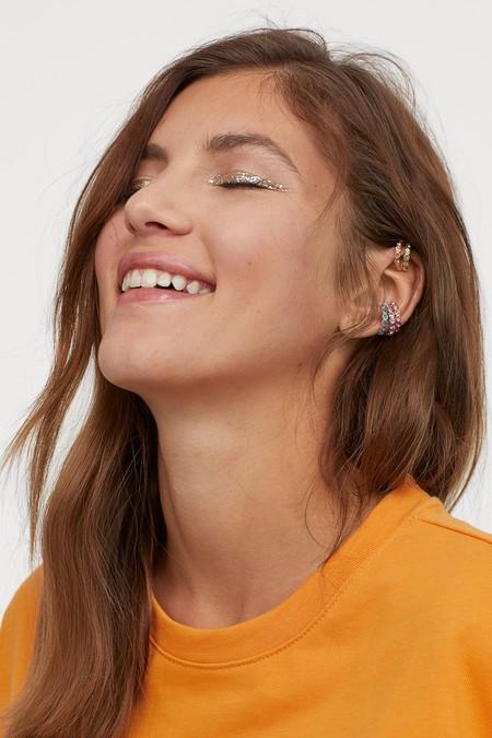 Este verano tus orejas serán las protagonistas. H&M lanza una colección de packs de pendientes irresistibles