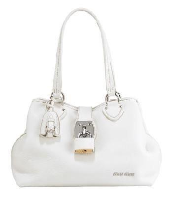 En bolsos, también blanco