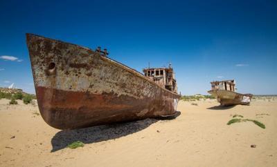 El cementerio de barcos del Mar de Aral en Uzbekistán