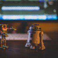 """Un grupo de robots autónomos con AI """"desarrollaron prejuicios"""" al trabajar en equipo, según un nuevo estudio del MIT"""
