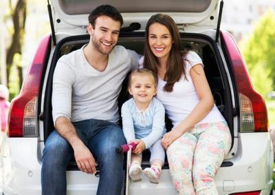 ¿Viajas en coche con niños pequeños? Algunos consejos útiles