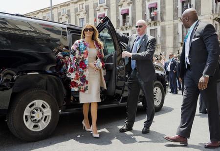 Así es el abrigo de más de 50.000 euros firmado por Dolce & Gabbana con el que Melania Trump ha deslumbrado en Sicilia