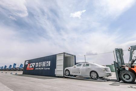 Los Volvo S90 fabricados en China llegarán a Europa vía...¡¿tren?!