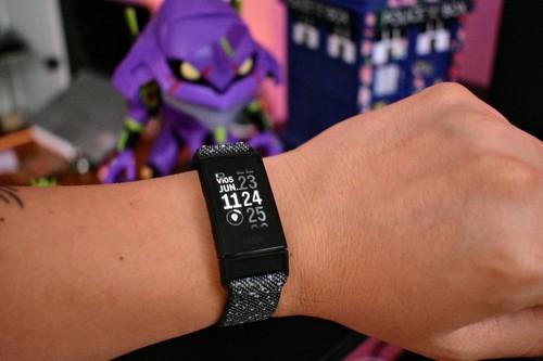 Fitbit Charge 4, lo hemos probado: sencillo, pero pocos se le comparan en monitoreo de actividad física
