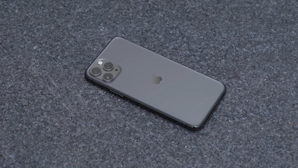 iPhone 11 Pro de 64 GB por 999 euros, <strong>iPhone℗</strong> SE (2020) de 256 GB por 599 euros(EUR) y AirPods Pro por 229,99 euros: Cazando Gangas»>     </p> <p>Estamos a las puertas del fin de semana: es viernes de nuevo, y como es usual regresamos con nuestra sección Cazando Gangas, el espacio de Applesfera en el que recopilamos las mejores ofertas de productos vinculados con Apple, ya sean de sus aparatos iPhone, iPad, <strong>Apple℗</strong> Watch, computadores Mac℗ o complementos oficiales o para ellos. ¡Empezamos!</p> <p> <!-- BREAK 1 --> <span id=