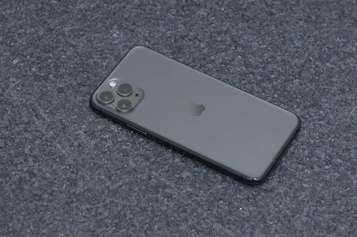 iPhone 11 Pro de 64 GB por 999 euros, iPhone SE (2020) de 256 GB por 599 euros y AirPods Pro por 229,99 euros: Cazando Gangas