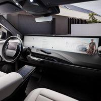 El SUV eléctrico chino Byton M-Byte llegará a Europa en 2021 y su enorme pantalla podrá hacer de todo