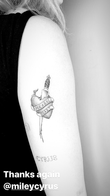 Miley Cyrus Tatuaje