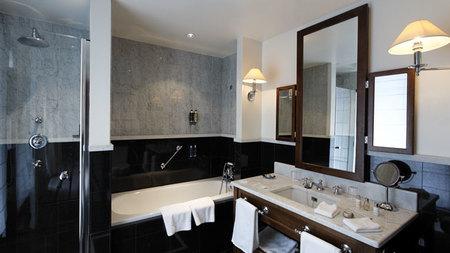 Cuarto de baño de una suite