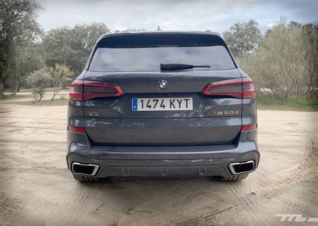 BMW X5 M50d trasera