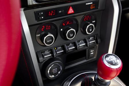 Mandos de climatización del Toyota GT86