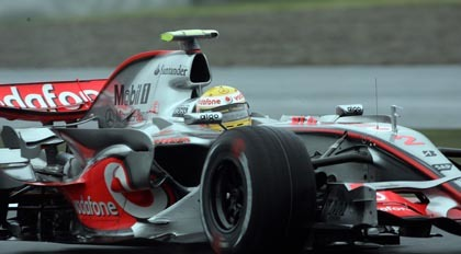 Hamilton y Alonso lideran los tiempos en Brasil