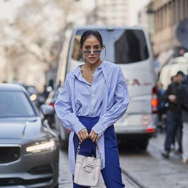 La camisa de rayas, ese clásico del armario que vuelve más femenino que nunca