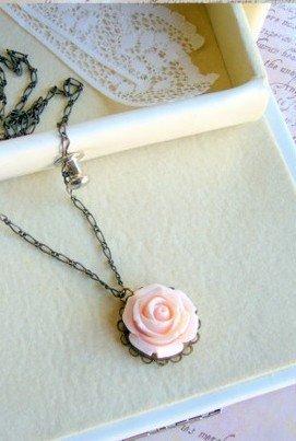 rosa collar