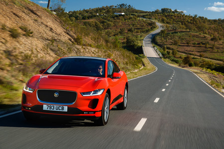 Jaguar I-PACE First Edition delantera en marcha