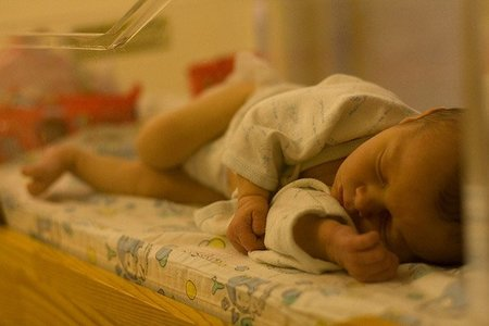 Futuro optimista para uno de los bebés más pequeños del mundo