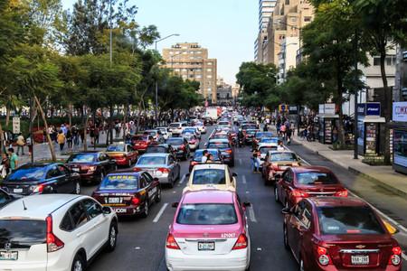 """El tráfico de CDMX """"roba"""" a los conductores hasta 4 horas de sueño en traslados de su hogar al trabajo, y de regreso"""