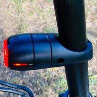 """Vodafone Curve Bike Tracker, análisis: esta luz con GPS es el """"ojo que todo lo ve"""" para la bici"""