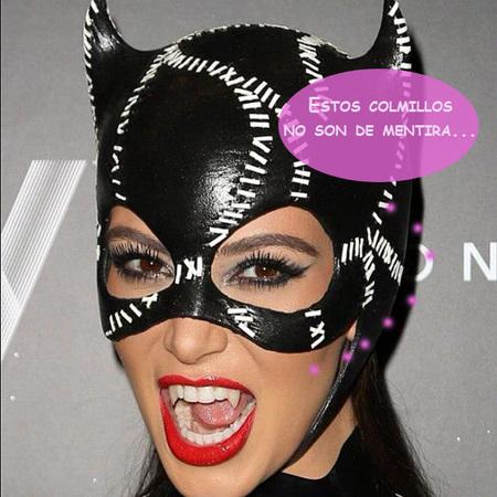 Kim Kardashian pasa de bañarse en leche de burra: ¡Drácula, te ha salido competencia!