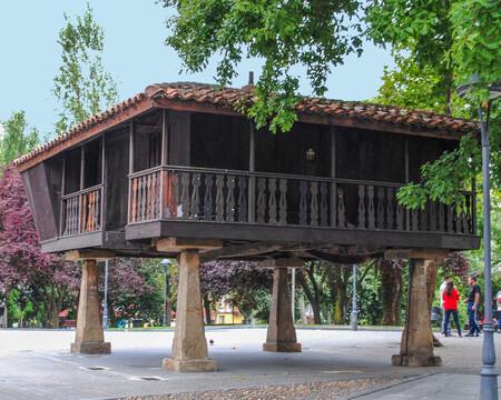 Aviles Plaza Del Carbayedo