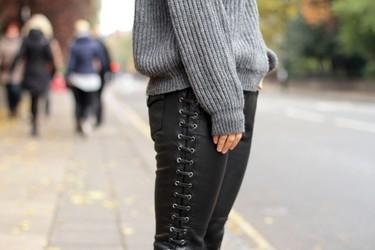 Zara y su versión de los pantalones de cuero de Isabel Marant para H&M